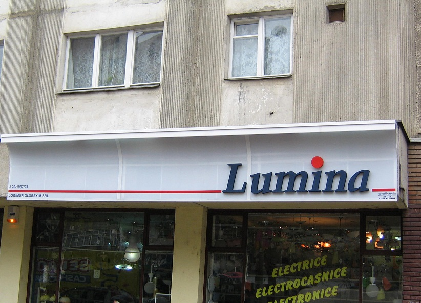 CASETE SI FIRME LUMINOASE Lumina