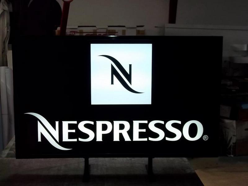 CASETE SI FIRME LUMINOASE Nespresso