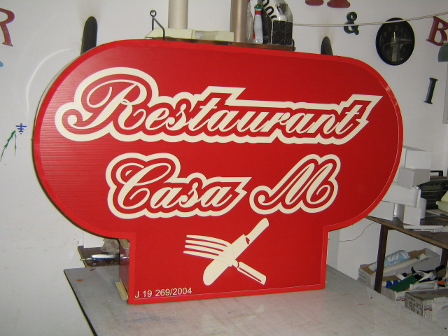 CASETE SI FIRME LUMINOASE Restaurant Casa M (2)
