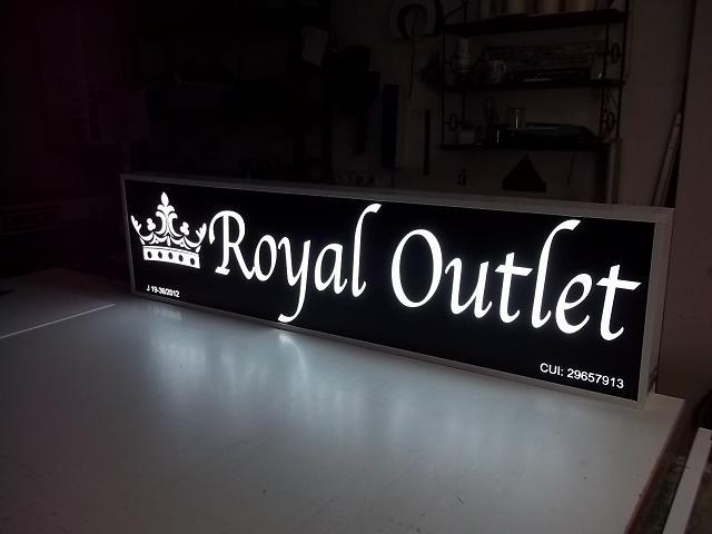 CASETE SI FIRME LUMINOASE Royal Outlet