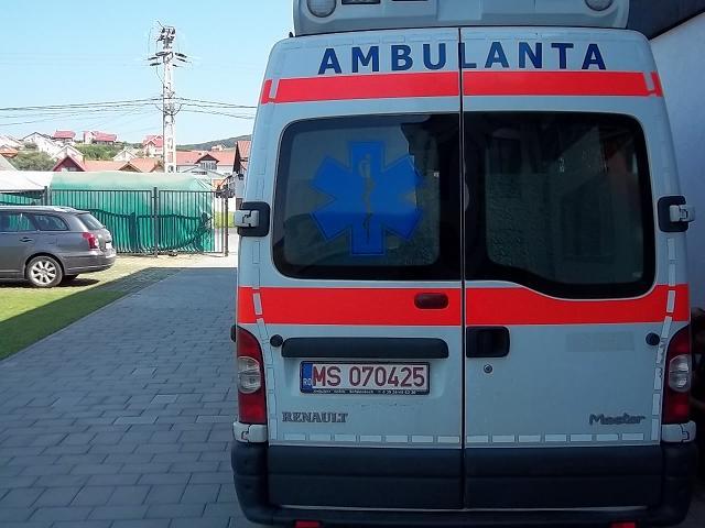 INSCRIPTIONARI VITRINE SI DECOR AUTO ambulanta3