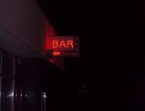 Bar red corner