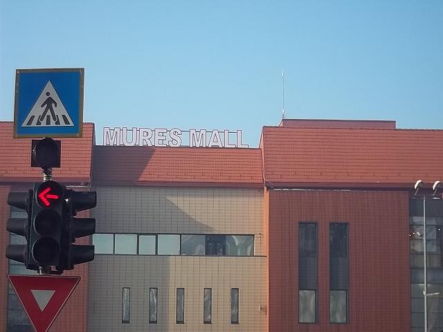 LITERE VOLUMETRICE LUMINOASE Mures Mall