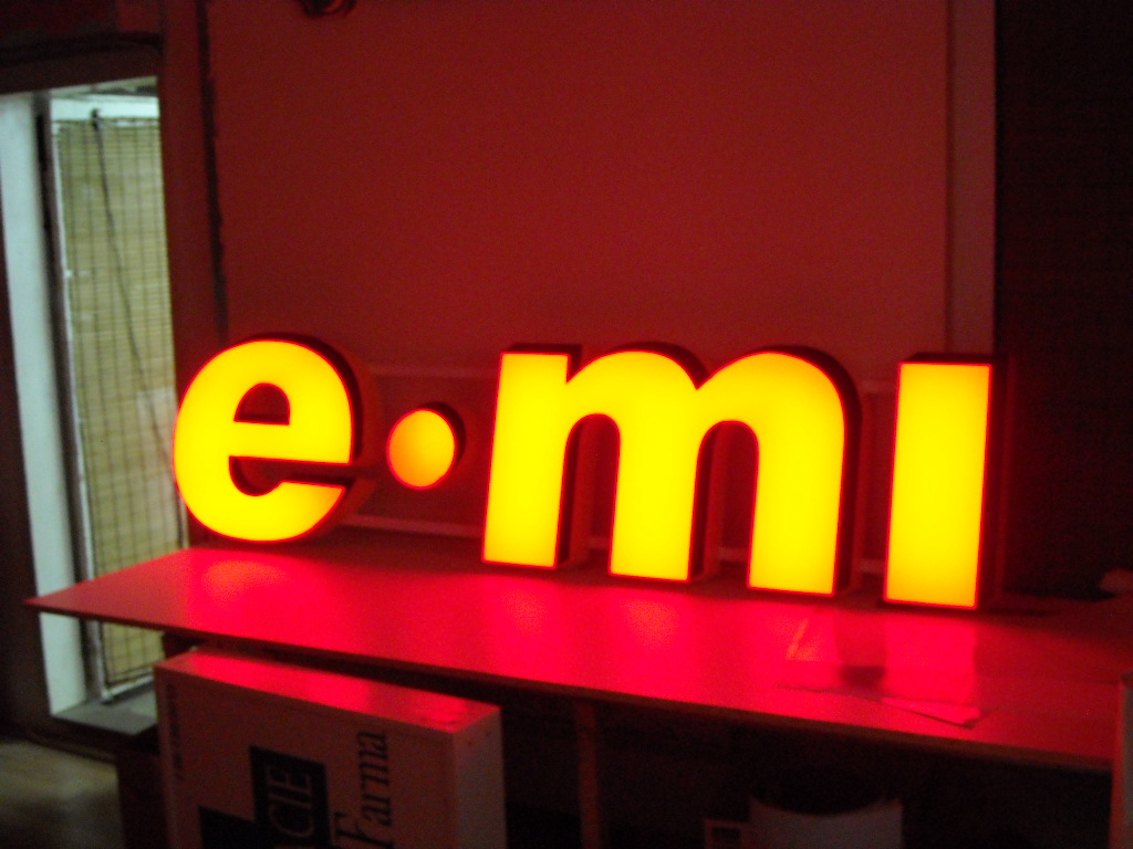 LITERE VOLUMETRICE LUMINOASE e-mi (5)