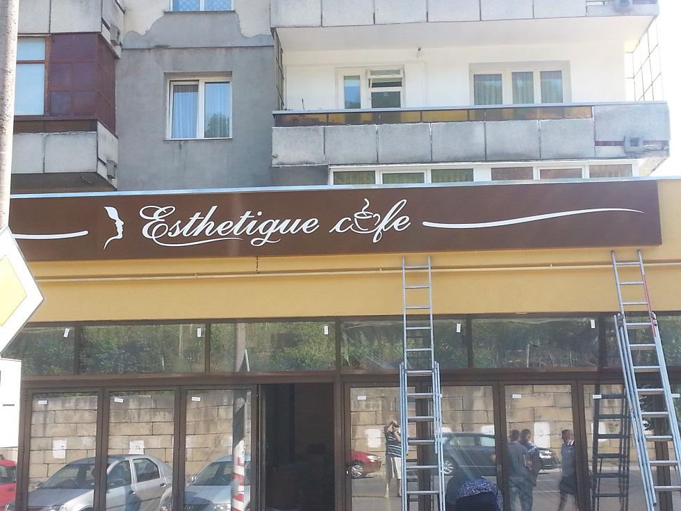 casete-si-firme-luminoase-esthetique-caffe