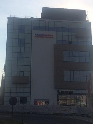 litere-volumetrice-luminoase-business-center-ziua