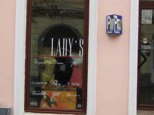ladys-vitrina